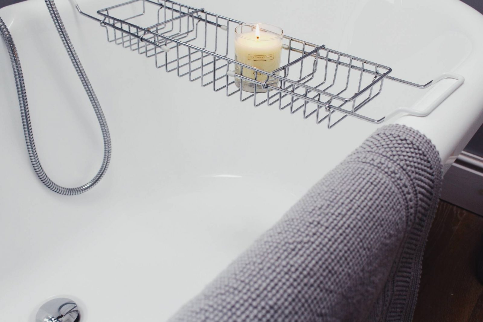 The White Company, Bathroom, Sale, Interiors, Home Design, House Renovation, Winter, Candle, Roll Top Bath