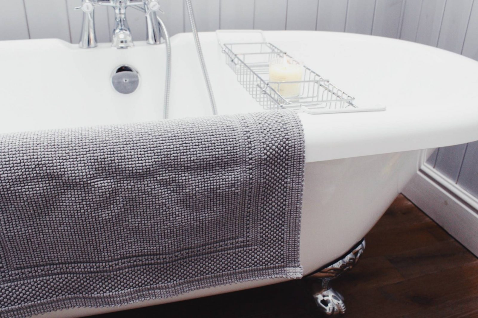 The White Company, Bathroom, Sale, Interiors, Home Design, House Renovation, Roll Top Bath, Bath Mat